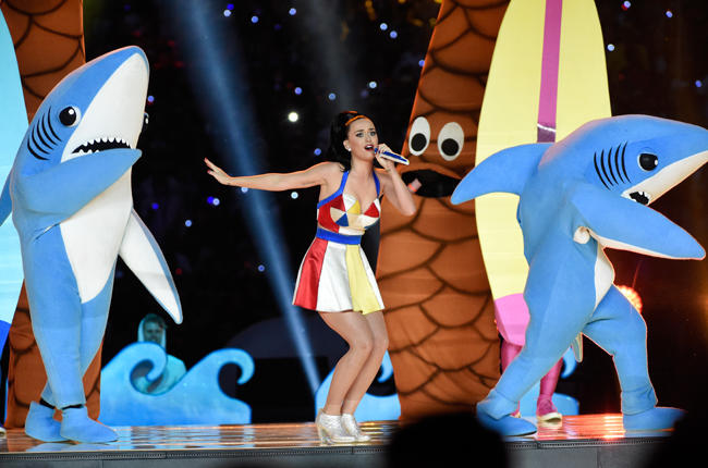 katy-perry-14-super-bowl-halftime-xlix-2015-billboard-650